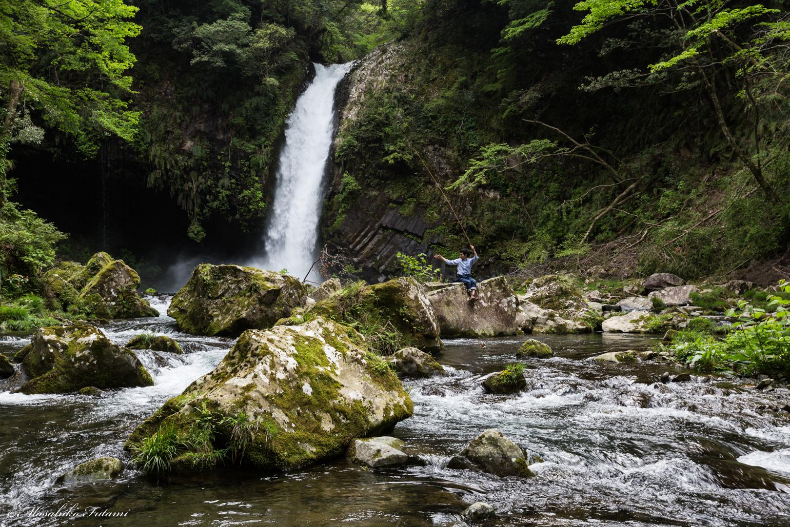 Joren'notaki Waterfall and Angler